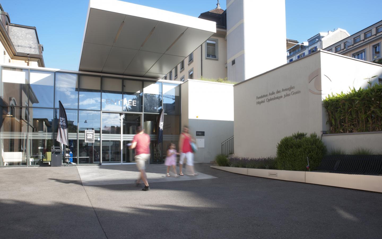 L'entrée principale de l'hôpital ophtalmique Jules-Gonin